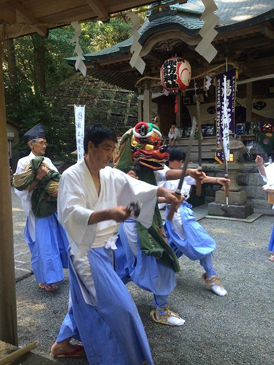 箱根宮城野湯立獅子舞(C)箱根はこねのお土産は孫三総本家