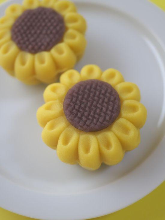 ひまわり・和菓子・japanese sweets sunflower (C)箱根・孫三総本家・花詩ブログ Hakone Japan